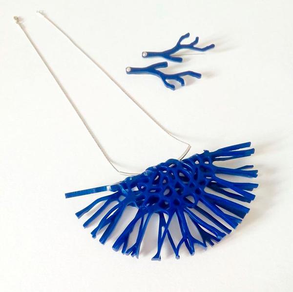 Collar Medusa Grande Azul
